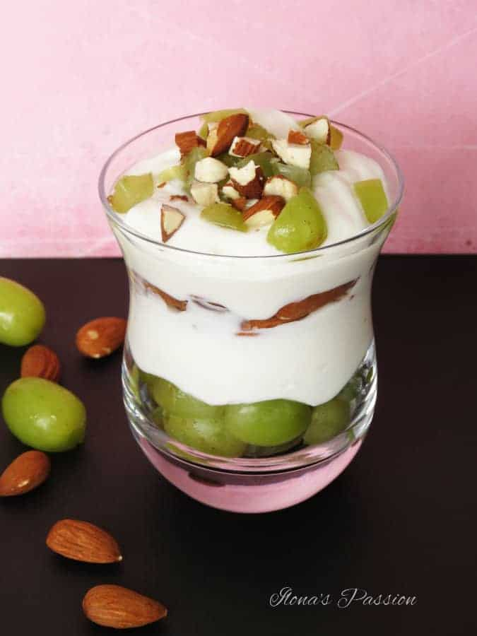 Coconut-Greek-Yogurt-with-Frozen-Grapes-and-Almonds