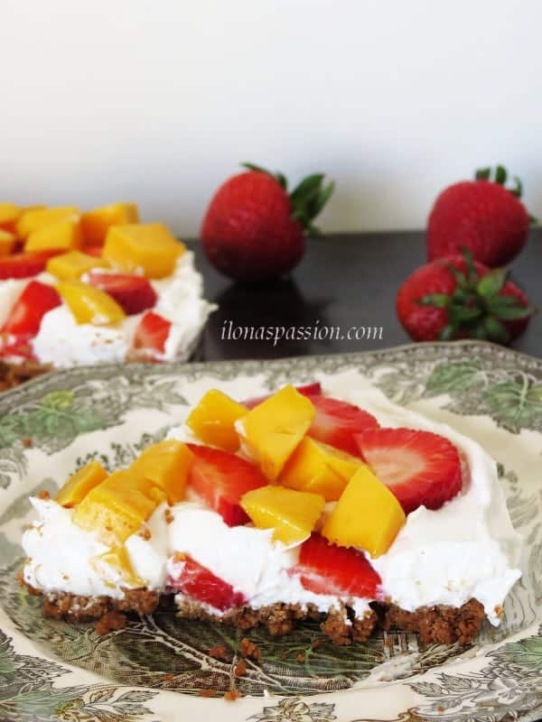 Healthy Greek Yogurt & Fruit Dessert