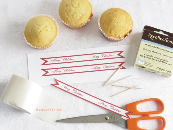 DIY How to Make your own Cupcake Flags + Free Printable Flag Cupcake Toppers by ilonaspassion.com