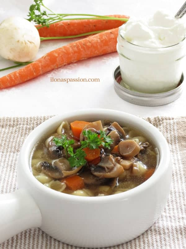Homemade Mushroom Soup - hearty and full of vegetables mushroom soup recipe with carrots, parsnip and celery is perfect for any day. It can be made vegetarian too. By ilonaspassion.com I @ilonaspassion