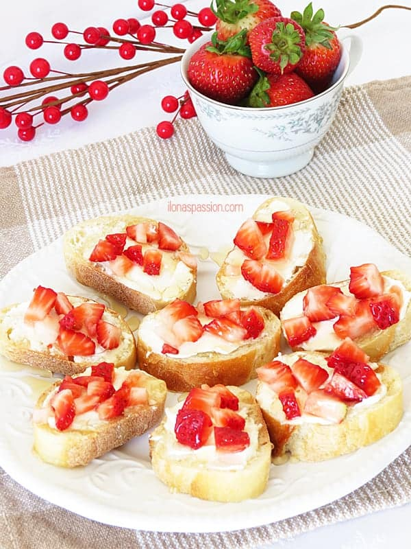 Strawberry Honey Bruschetta by ilonaspassion.com