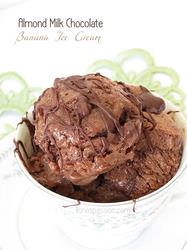 Chocolate Banana Ice Cream made with healthy ingredients like almond milk and maple syrup by ilonaspassion.com