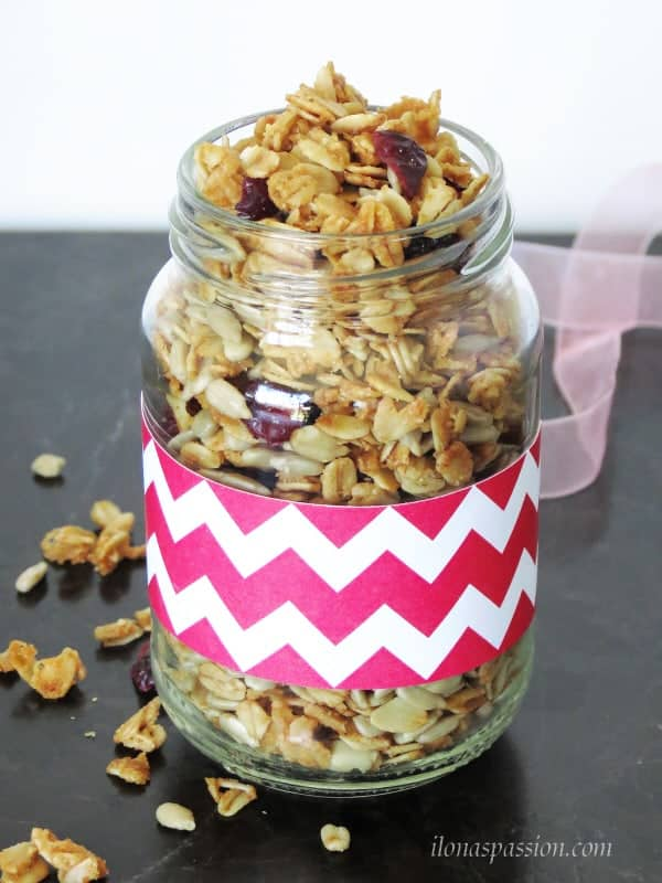 Maple Sunflower Seeds Granola by ilonaspassion.com