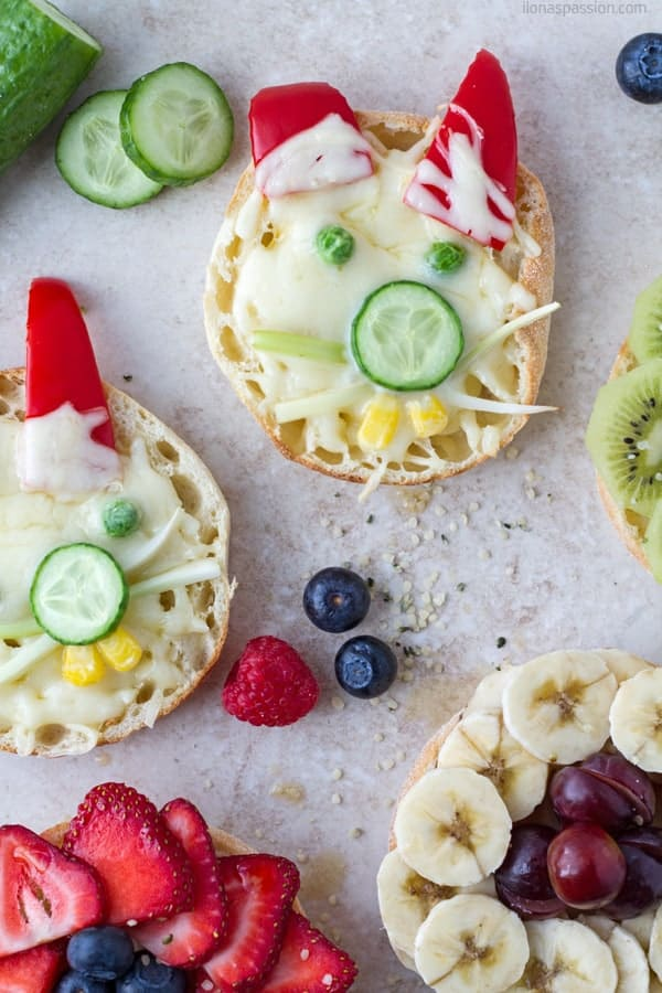 Bunny sandwiches made with cheese, cucumber, corn, peas and red pepper by ilonaspassion.com I @ilonaspassion