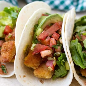 Easy fish tacos made with basa fillets and served with tomato salsa by ilonaspassion.com I @ilonaspassion